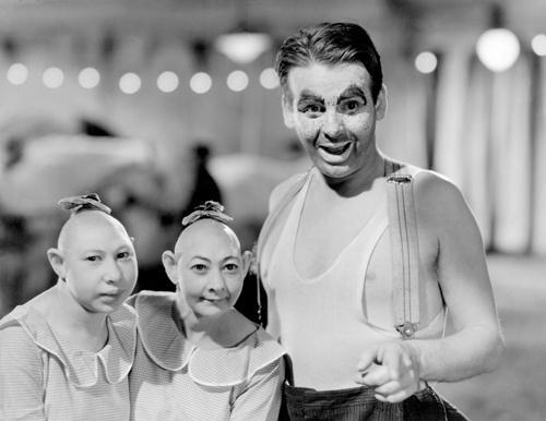 Jenny Lee Snow, Elvira Snow, and Wallace Ford inÊTod Browning'sÊ