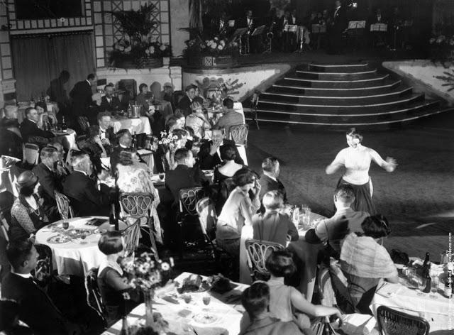 cabaret-dancers-18
