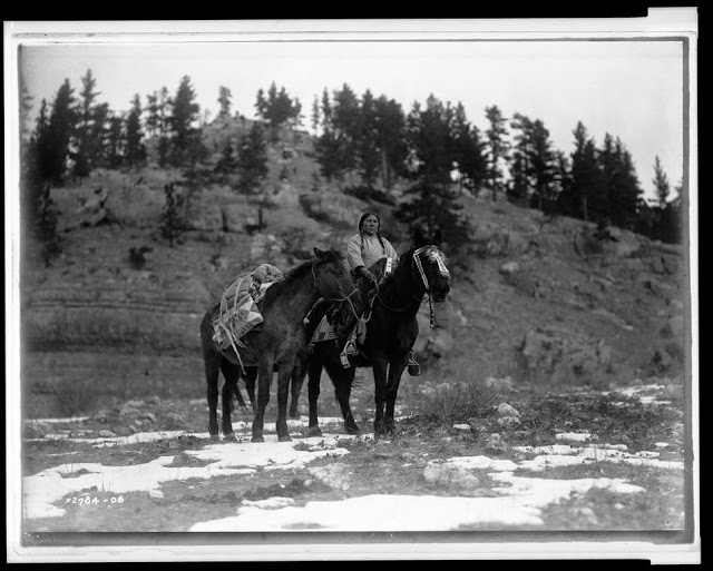 North American Indian Photographs, c (27)